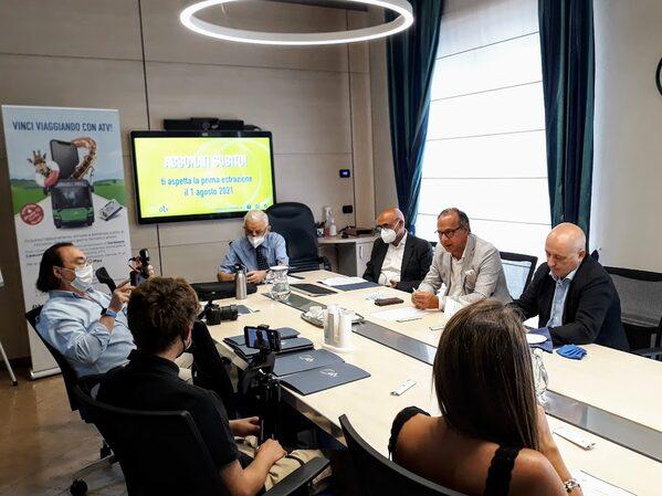 Nella foto, da dx, il presidente di ATV, Massimo Bettarello, il direttore generale Stefano Zaninelli, il titolare di Airone srl, Vito Zorzi, durante la conferenza stampa di presentazione del concorso